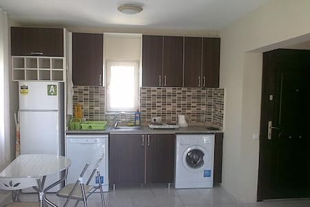 Kusadasi, 500m from beach - Kusadasi - Apartment