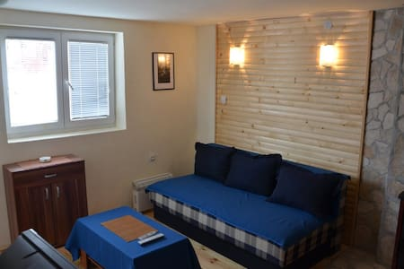 Room type: Entire home/apt Property type: Bed & Breakfast Accommodates: 3 Bedrooms: 2 Bathrooms: 1