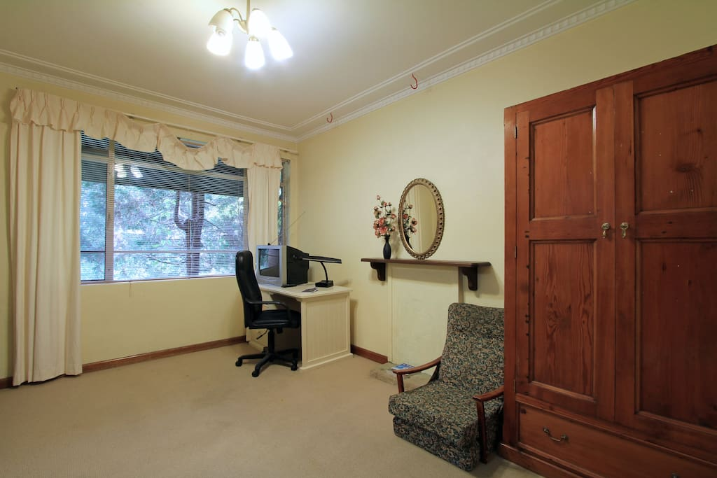 Spacious room, comes fully furnished with a choice of furniture as well as accessories to adorn the beautiful place