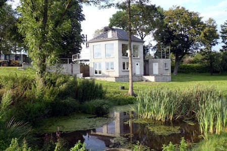 Cosy hexagon house near Copenhagen - Kirke Eskilstrup - Huis