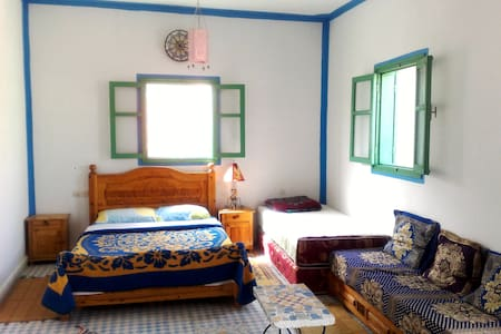 Abdou, guest house - private room - Mirleft