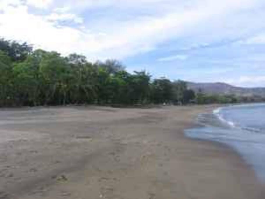 Coco Beach low tide                                                           jghgjfg