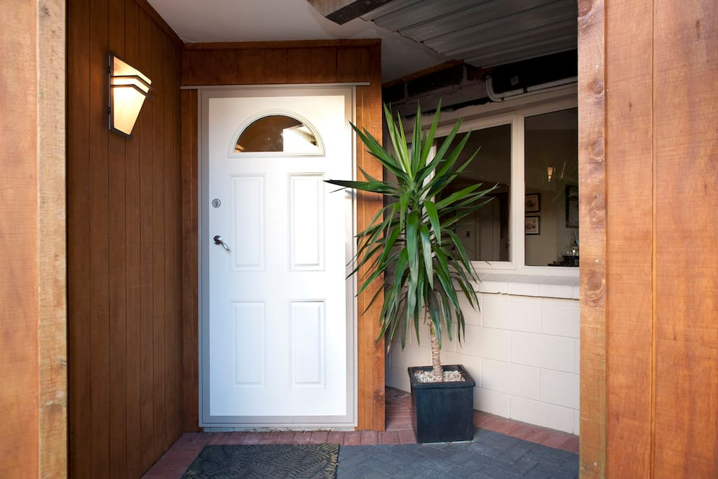 Private Guests Entrance