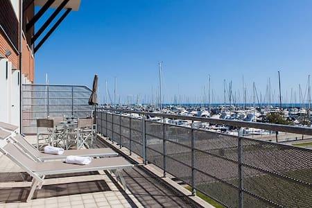 Comfy 1bdr apt w/terrace - Wohnung