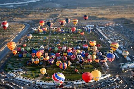 Balloon Fiesta vacation home - Albuquerque - House
