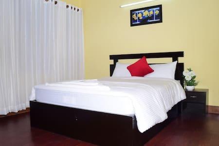 Papaya House // Sunny Room - Katmandú