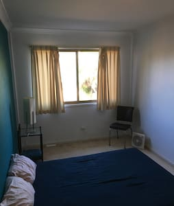 Spacious & tidy Room in Cooks Hill - Cooks Hill - Villa