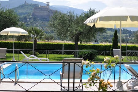Girasole Farmhouse B&B Assisi