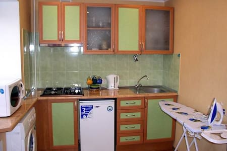 yellow 1 room studio Kherson centre - Apartmen