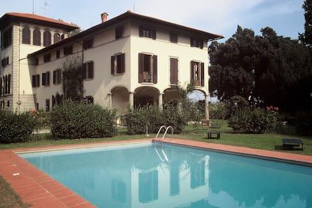 Magnifica Villa in Toscana - Lucciano
