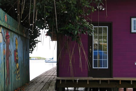 Purple House One Over The Water - Bocas del Toro -  colon island