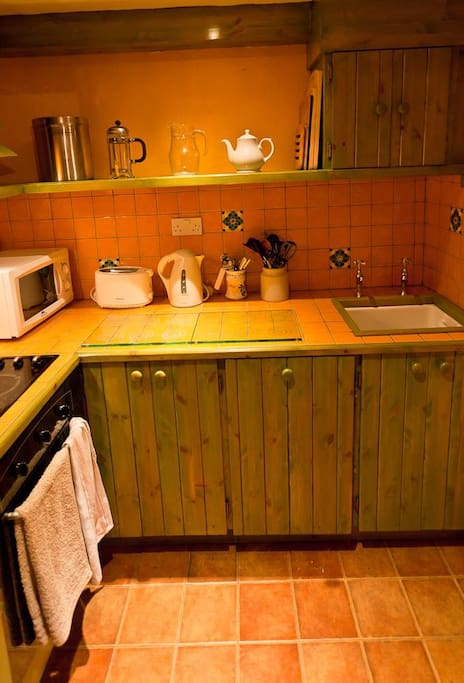 Hand-crafted and fully equipped kitchen