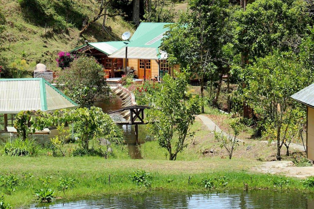 Hush Valley Lodge Mountain Retreat