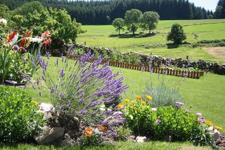 Cadre magnifique en pleine nature - Huis