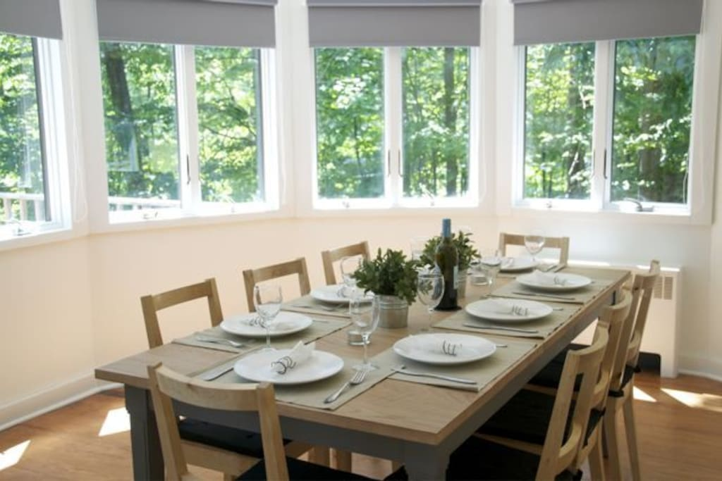 Dining Room with seating for 8 Guests.