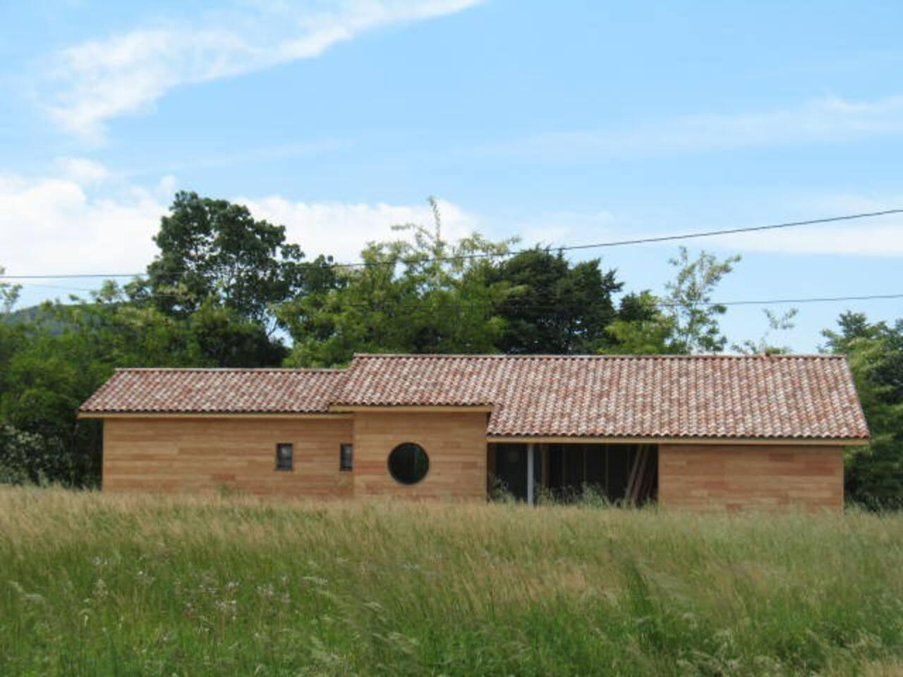 Une maison contemporaine à ossature bois à la campagne