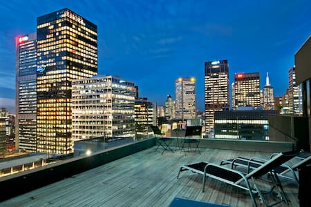 Large Private Rooftop Terrace, CBD - Melbourne - Apartment