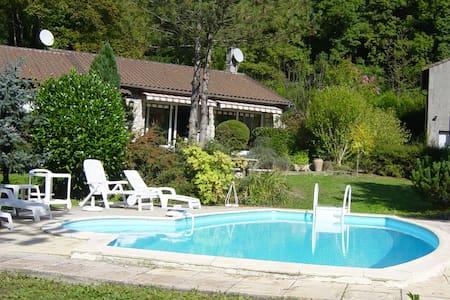 Chambre d'hote en ariége-Pyrenées - Siguer - Bed & Breakfast