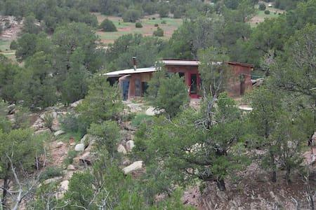 peaceful retreat near santa fe - Santa Fe - Maison écologique