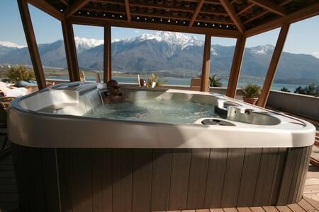 Lake Como Villa Tres jolie - Trezzone CO - Bed & Breakfast