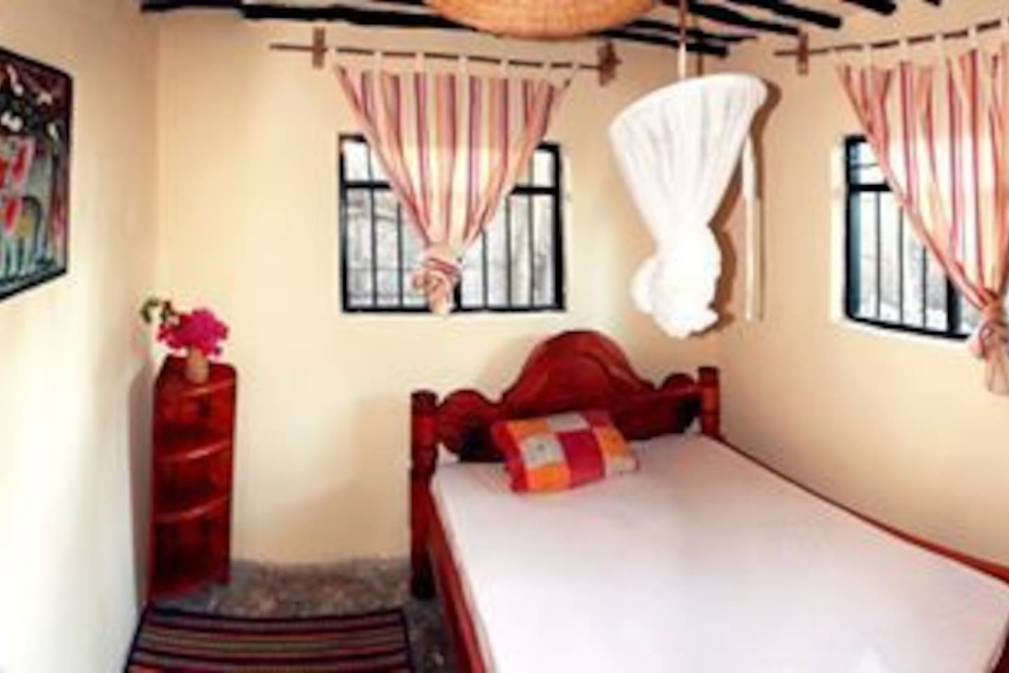 Nyamkwi White Sand Guest House
