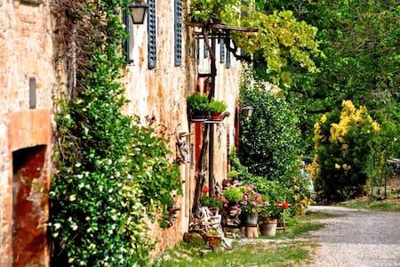 Under the Tuscan Sun - Casa