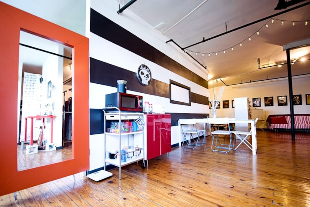 Welcome to Studio G+M !!! 1500 sq/ft studio loft with high ceilings and plenty of floor space
