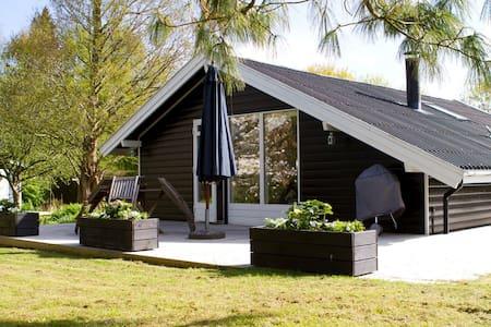 Charming cottage in Gilleleje - Gilleleje - Cabin