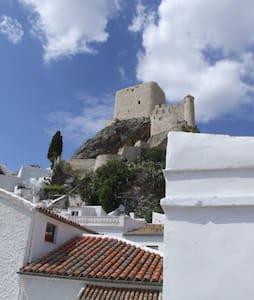 Pz Ayuntamiento, Olvera, Andalucia - Huis