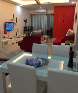 Private JB Apartment, Sleeps 2-5 - Johor Bahru
