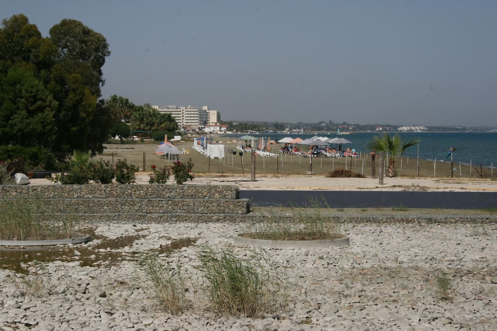 Beach front-One of the nicest sandy beaches in Larnaca. Lots of hotels nearby where you can rent an umbrella and sun beds. You can also take the sun beds we provide to the beach  if you prefer!