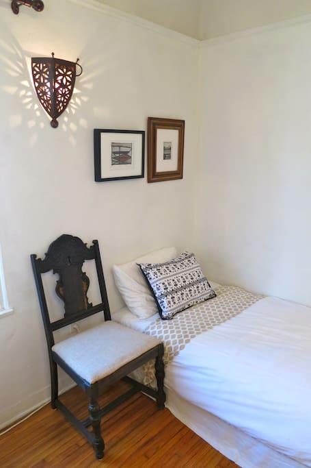 Spanish Room single bed
