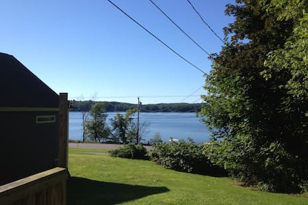 3BR home on Lake Winnisquam - Hus