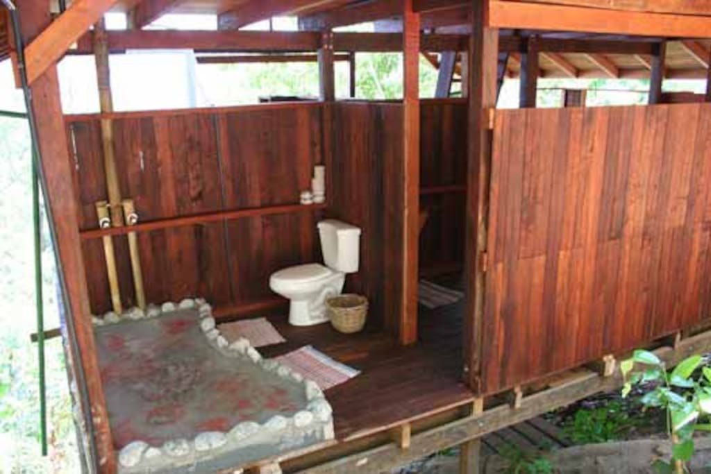 Back-to-nature private shower, Monkey House.
