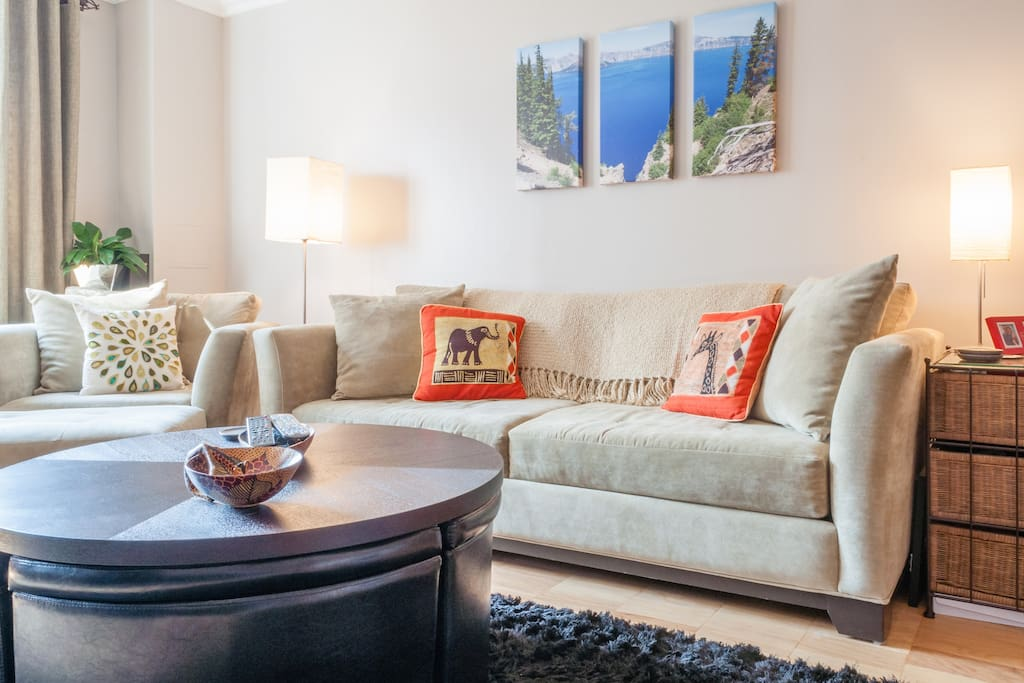 Spacious 1BR in full service bldg