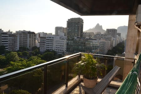 Ipanema, 2 blocks from sea, Balcony