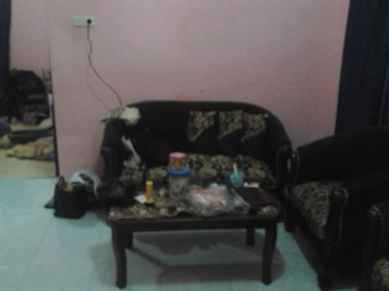 ruang tamu ada kursi tamu