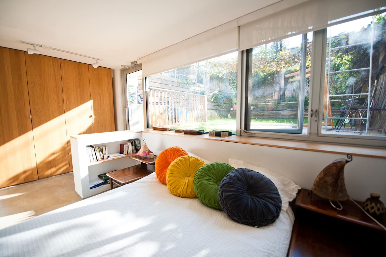 HUGE 3 bedroom/2 bath Sunny Loft