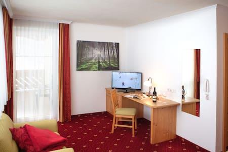 Landhaus GASTEIN - Maierhofen - Bed & Breakfast
