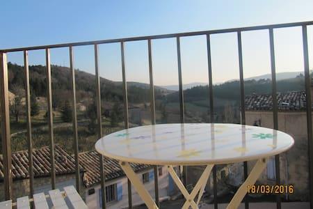 Entre Ventoux & Lavandes: Eglantine - Aurel