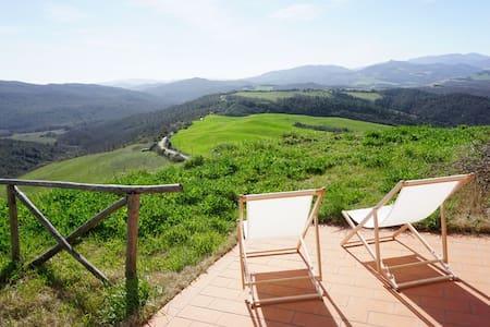 Casa di Sotto 360 hilltop in Volterra foothills - Lejlighedskompleks