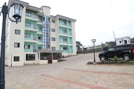 Admiralty Serviced Apartments - Bamenda - Lägenhet