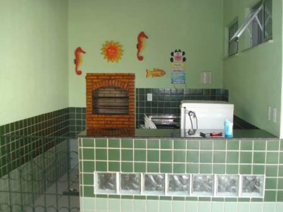 SALÃO DE FESTAS com churrasqueira e Freezer