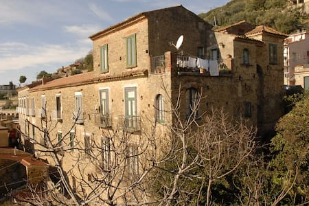 B & B IL CORTILE-POLLICA-CILENTO - Bed & Breakfast