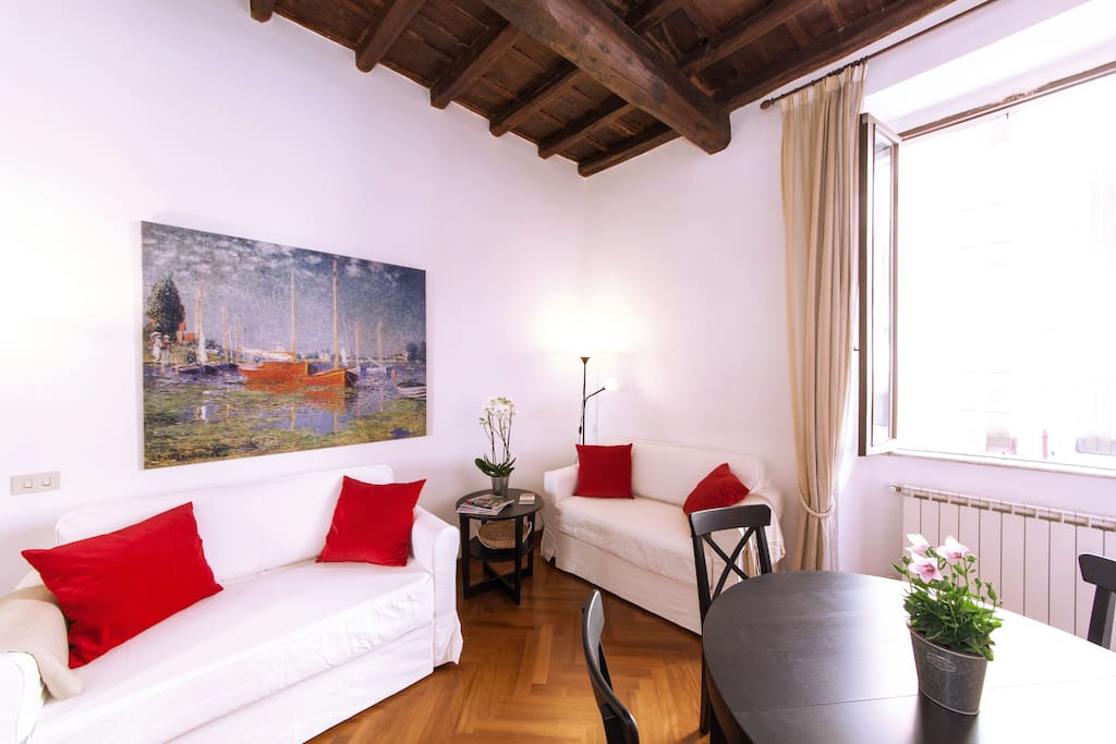 Two room apartment , Spanish steps