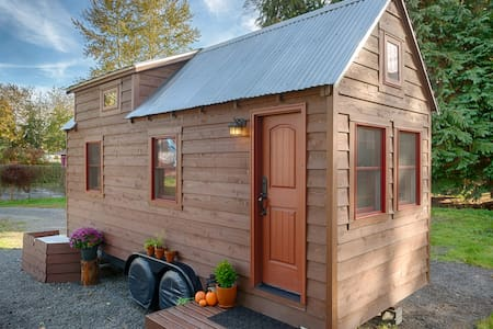 The Tiny Tack House - (Tiny House) - Casa