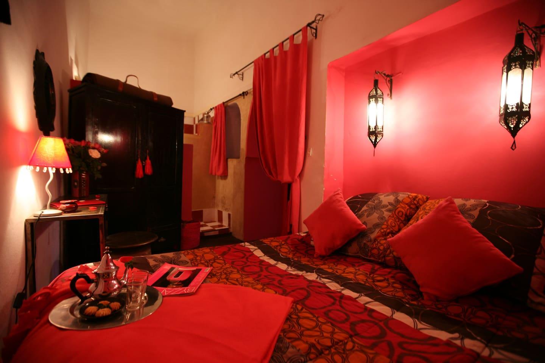 Riad Nejma lounge room rose indien