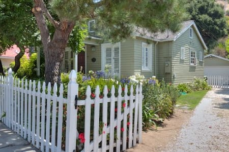 Hollywood Hills Canyon Cottage - Los Angeles - House