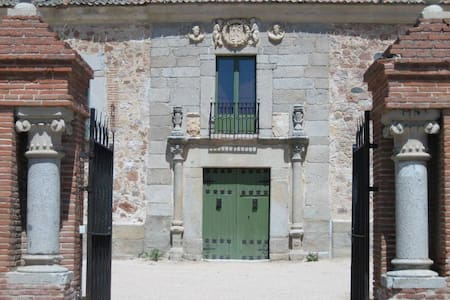 Palacio de Hoyuelos, Naciente 10 p - Santa María la Real de Nieva - Hus