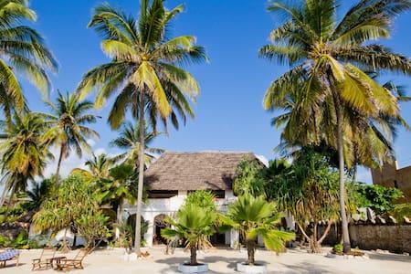Villa Bahati, beach villa & garden - Sansibar - Talo